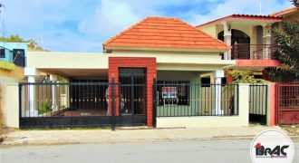 Casa en Venta en Los Rosales Higuey