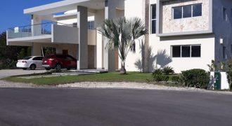 Nueva Villa de 2 niveles en Venta – Punta Cana Village