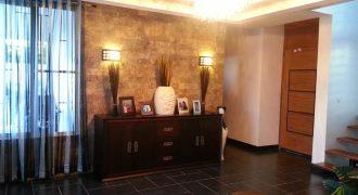 Casa de 2 niveles en Pueblo Bávaro en USD180 000