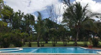 Apartamento con vista al campo de golf Cocotal – US$140,000